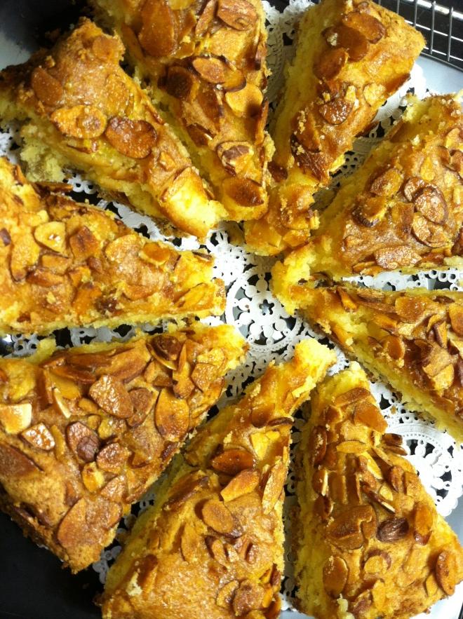 Amaretti Almond Cake