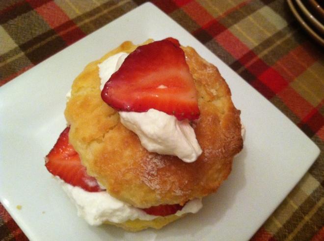 Strawberry Yogurt-Shortcake