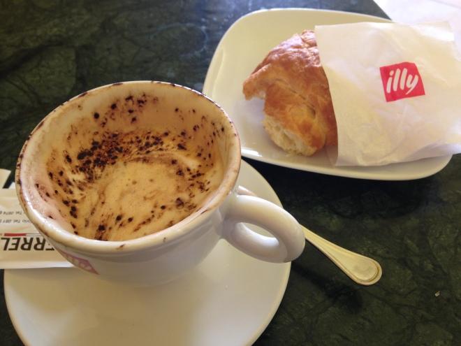 un cafe and un cornetto