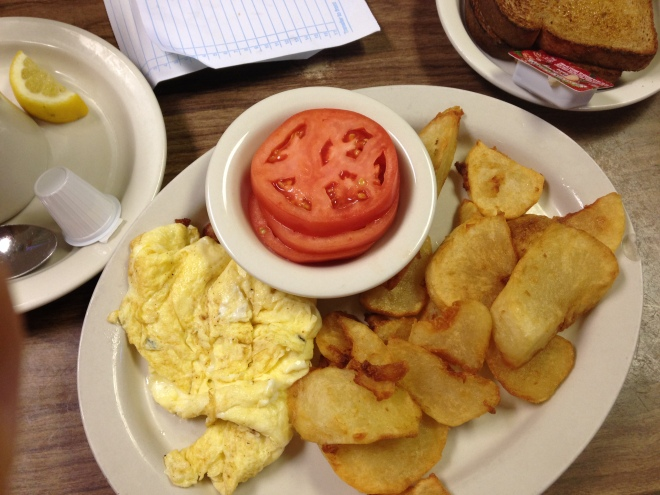 Wendell's eggs, tomatoes, home fries