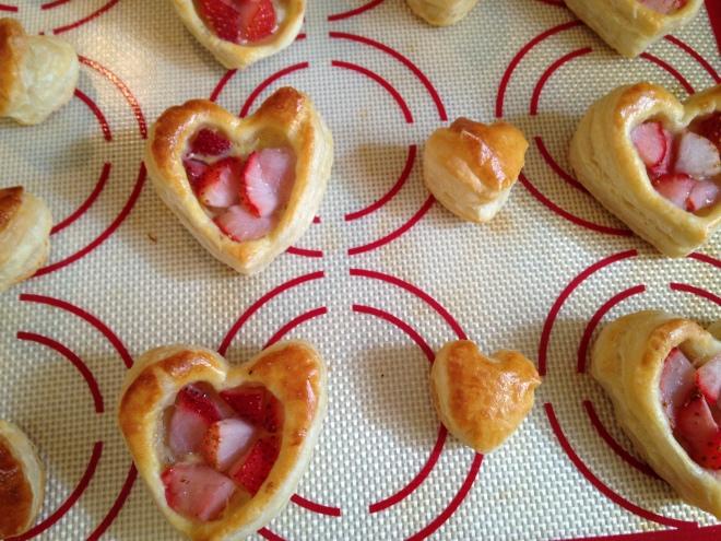 baked heart tarts