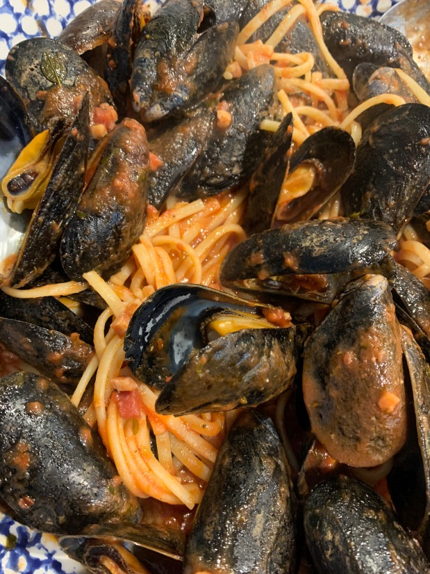 Mussels with Spicy PastaSauce